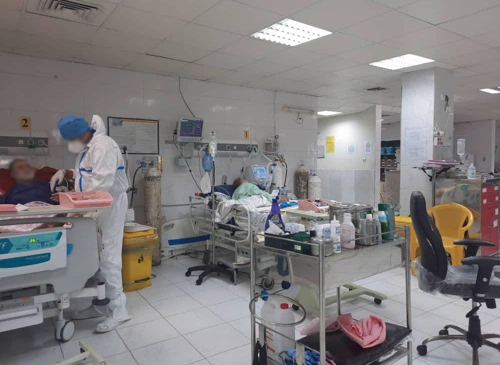 عدم وجود پارتیشن و یا پرده بین بیماران